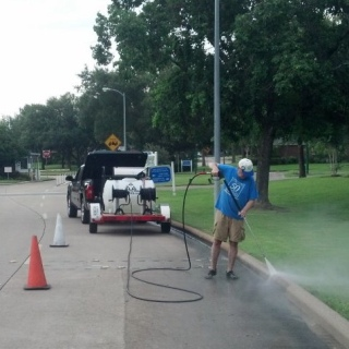 Pressure Washing - Entry Drive